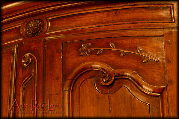 Two tier Louis XV buffet in cherry wood – 18ᵗʰ century