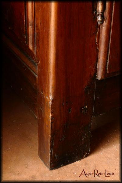 Armoire lingère Louis XIII en noyer – XVIIᵉ siècle – Limousin - ME001