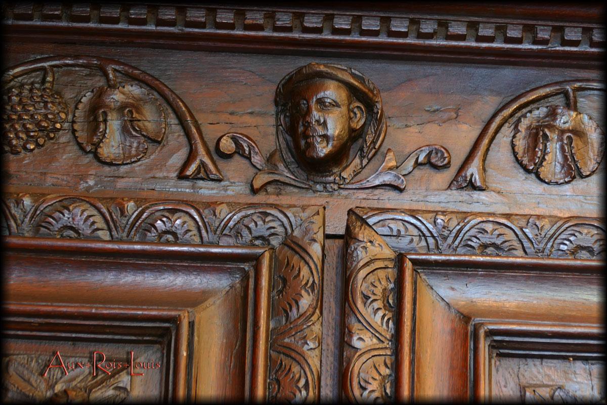 Armoire-coffre de monastère en chêne – XVIIᵉ siècle – Bourgogne