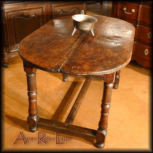 Louis XIII walnut kitchen table – 17ᵗʰ century – Périgord