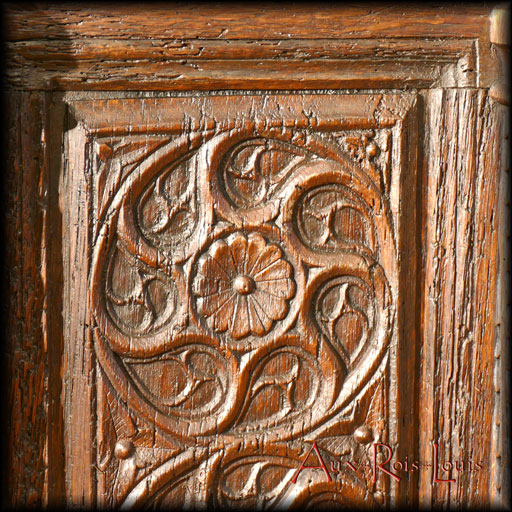 Oak Gothic chest – 17ᵗʰ century – North of France