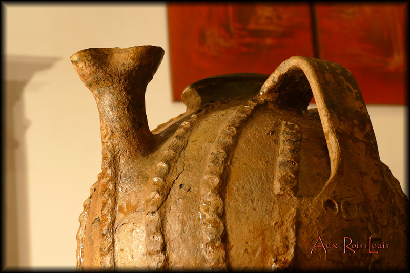 large pinched spout