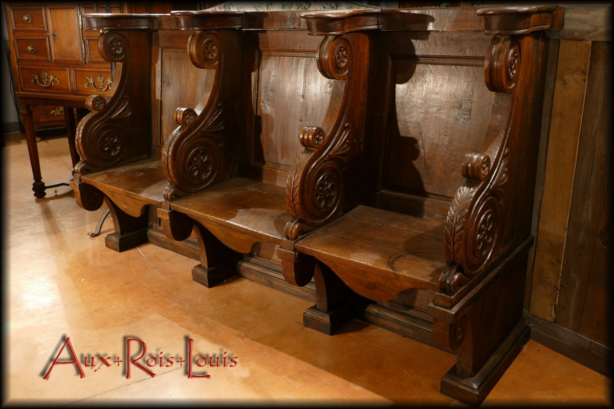 Stalle de Chœur de cathédrale réservée au Clergé et aux notables