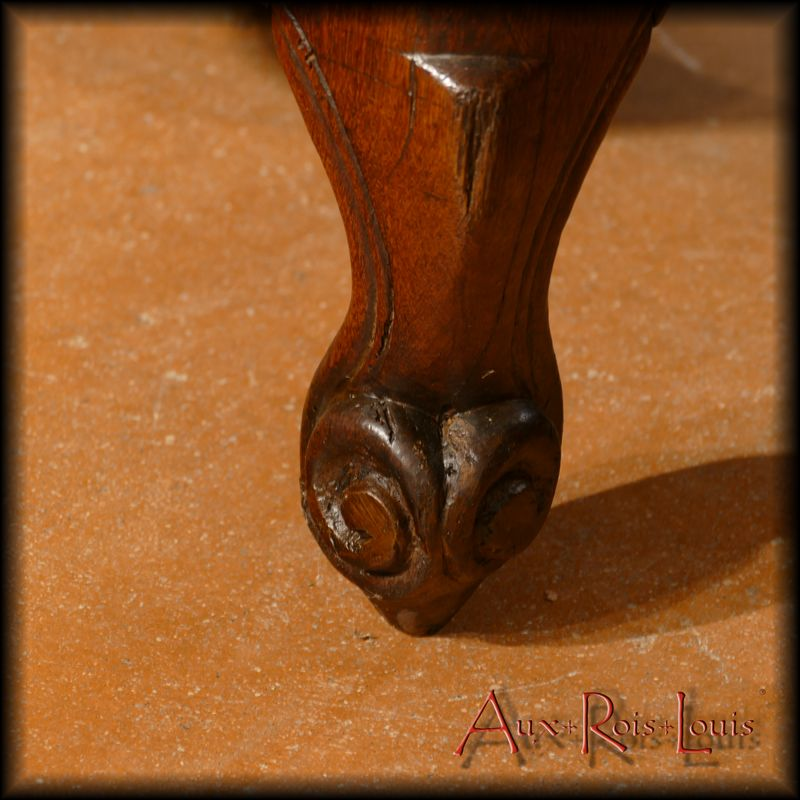 Feet worked in volutes