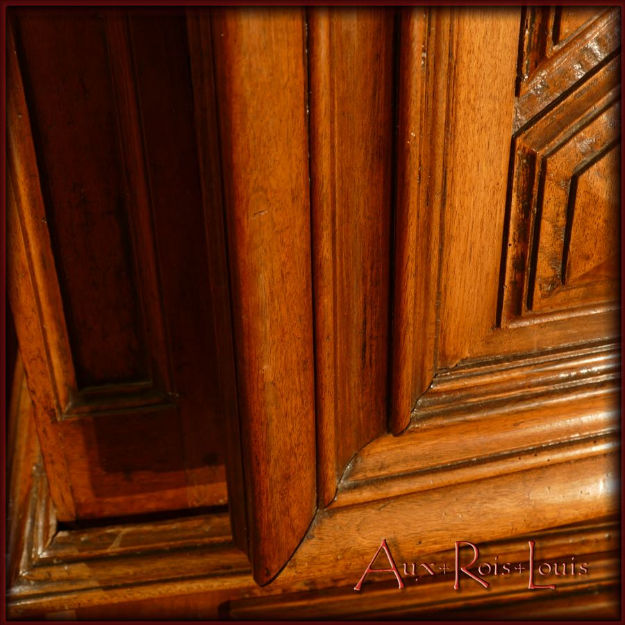 Profiled moldings occupy the entire door frame.