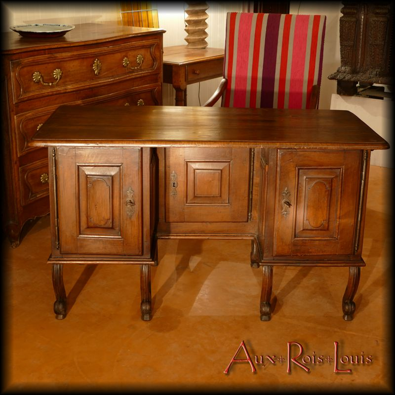Mazarin desk in walnut - Louis XIV - South West - [ME049]