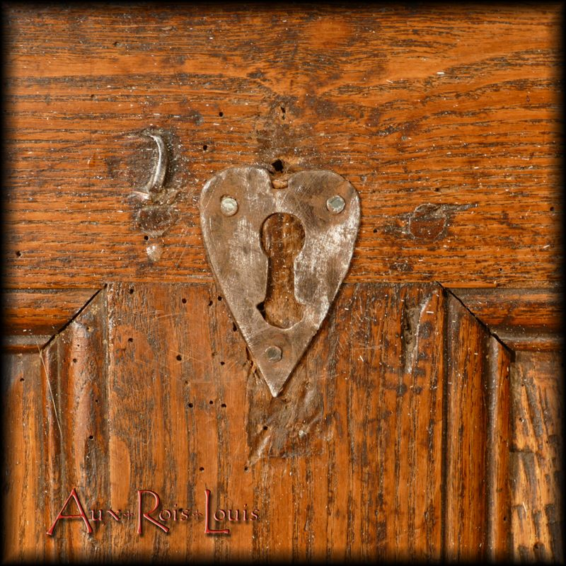 Heart shaped keyhole